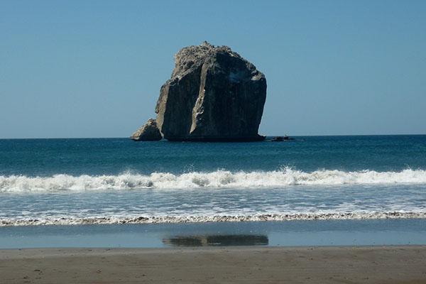 bp surf hotel playa grande costa rica surf witch's rock roca bruja